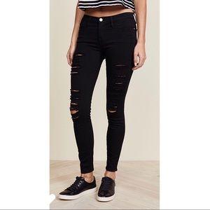 FRAME Black distressed skinny pant
